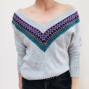 Cropped v neck sweater